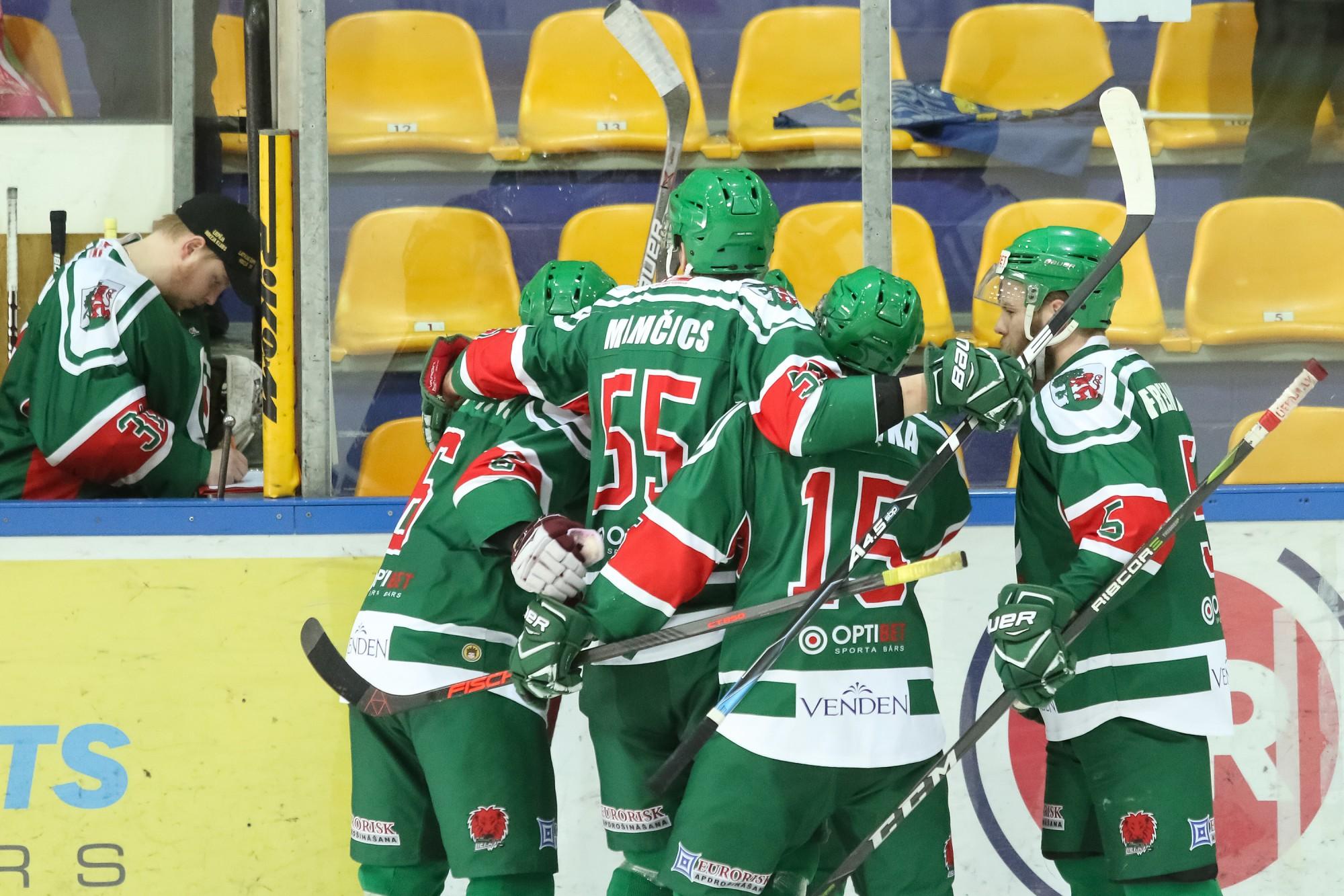 """""""Liepājas"""" hokejisti OHL mačā uzvar čempionus """"Kurbadu"""""""