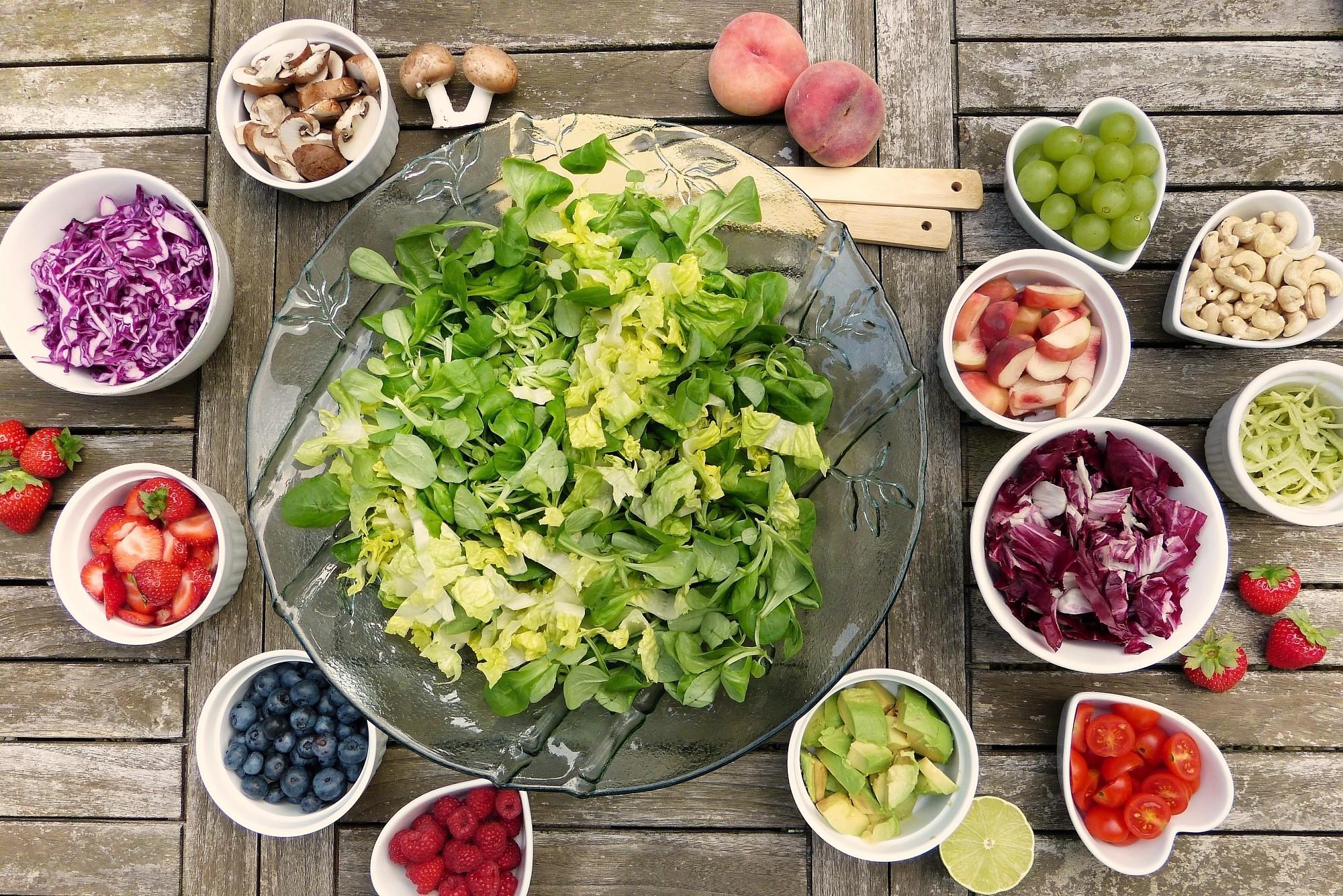 Apgūs uzturvielu nozīmi un veselīgu uzkodu gatavošanu