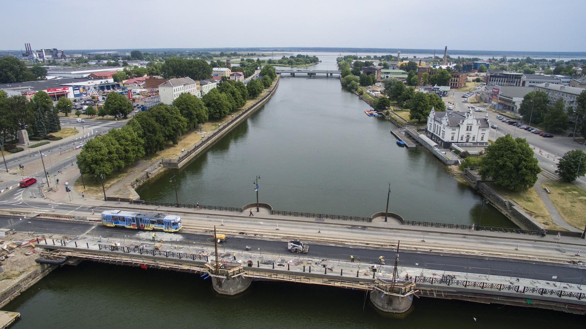 Gaidāmi satiksmes ierobežojumi uz Tramvaja tilta