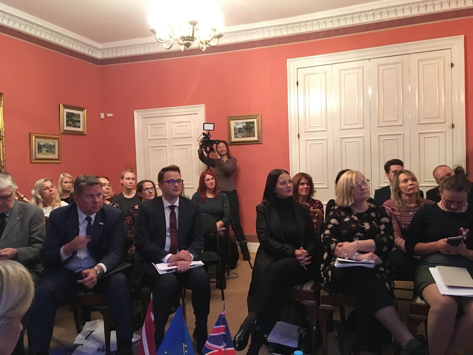 Aicina pārcelties uz Liepāju Lielbritānijā un Ziemeļīrījā dzīvojošos latviešus