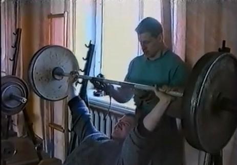 Tā tolaik dzīvojām: Sievietēm populāra aerobika, vīriešiem – svaru stieņu cilāšana
