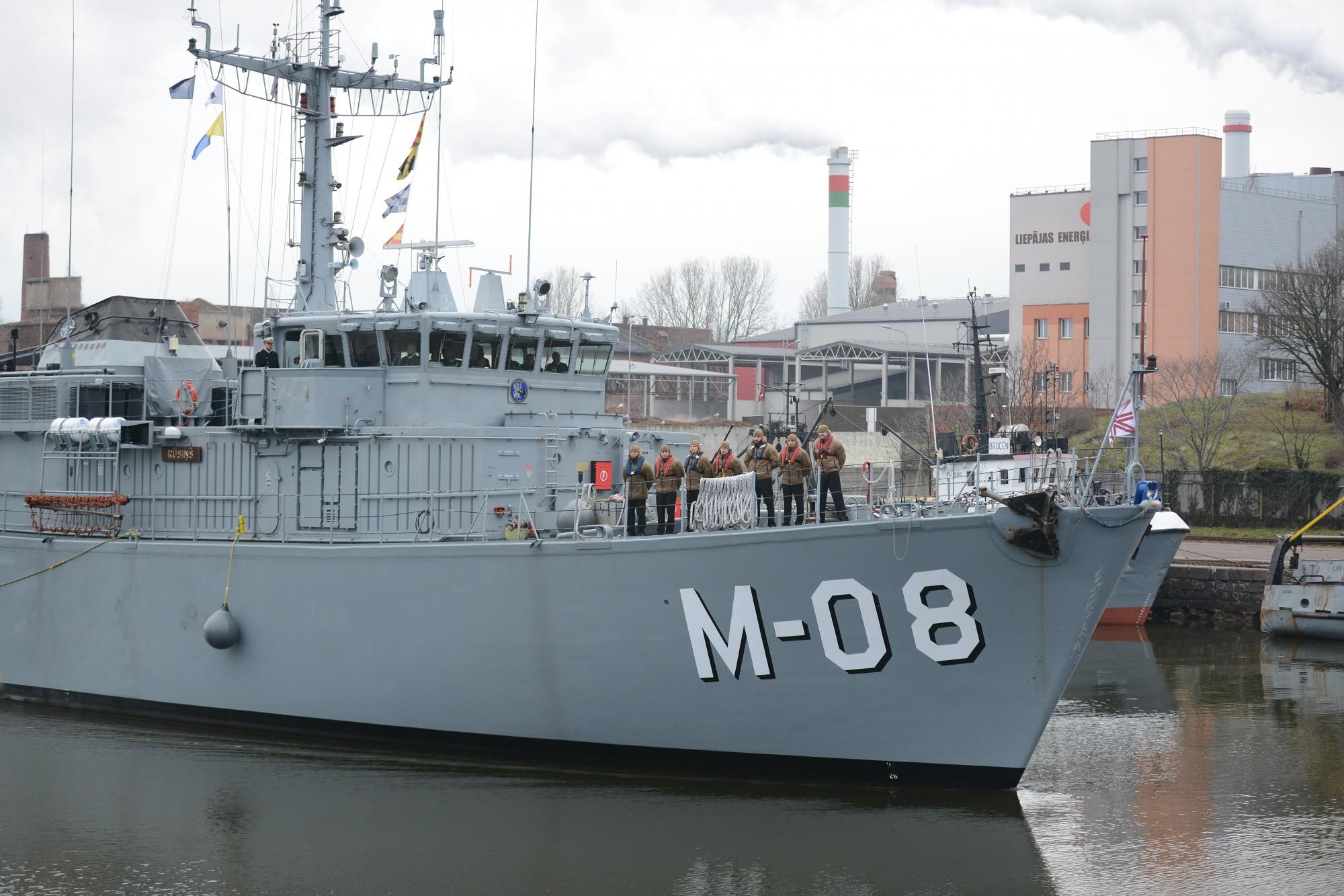 """Kuģis """"Rūsiņš"""" misijas laikā atradis piecas I un II pasaules kara mīnas"""