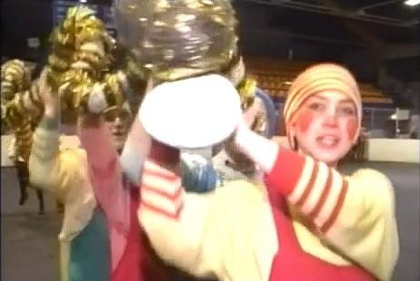 Tā tolaik dzīvojām: Liepājas ielās notiek Jaungada karnevāla gājiens