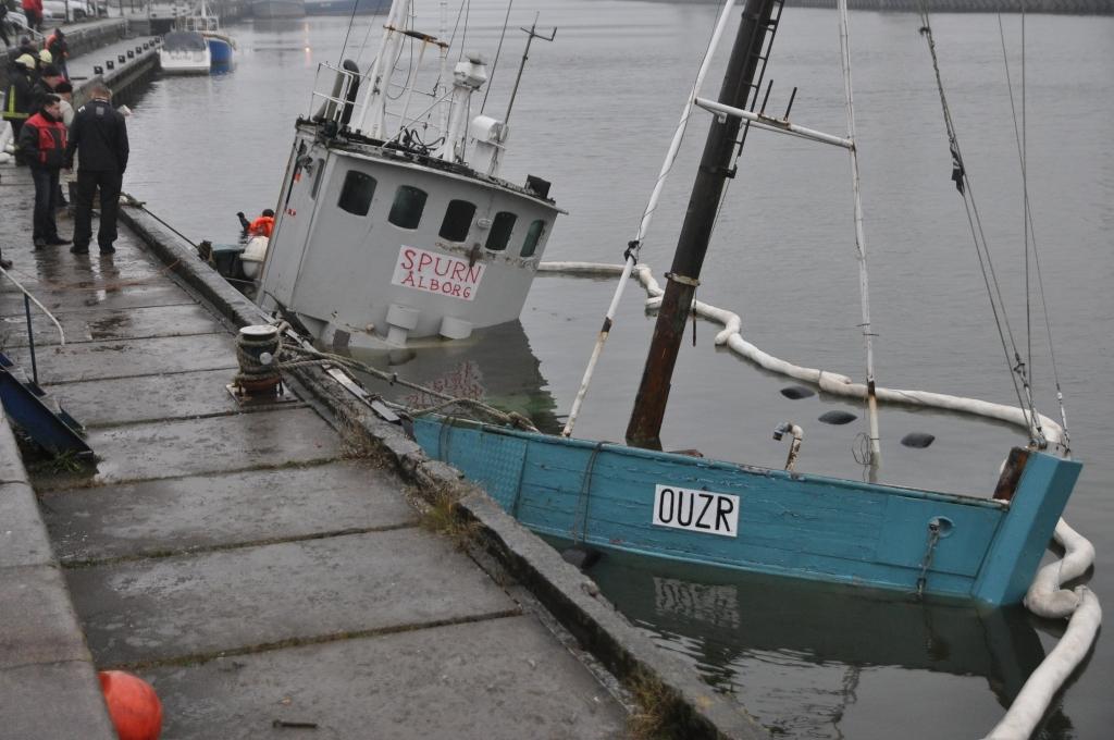 Pāvilostā joprojām stāv pusgrimis Fonteina kuģis