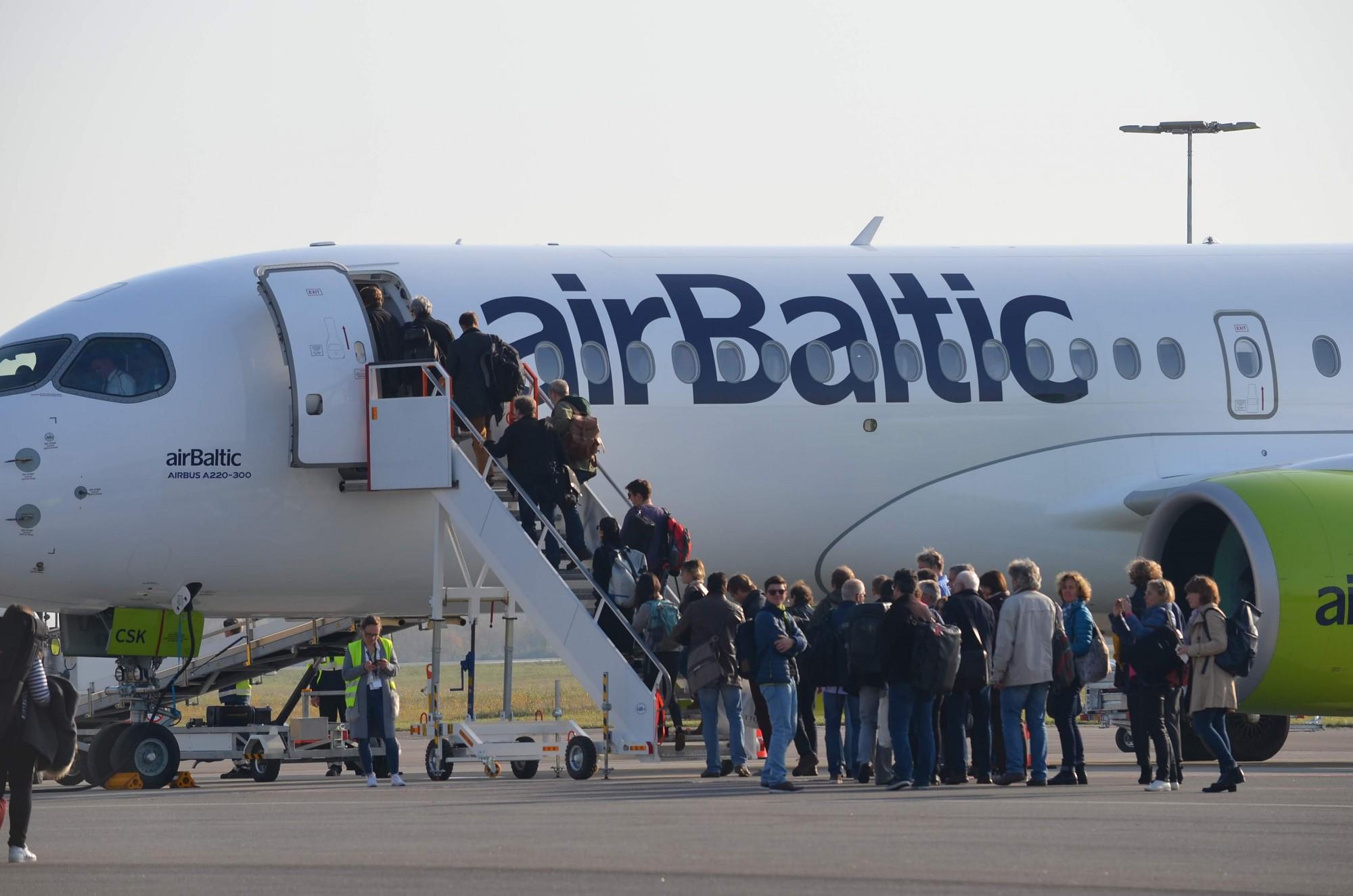Pieaug apkalpoto pasažieru skaits Liepājas lidostā