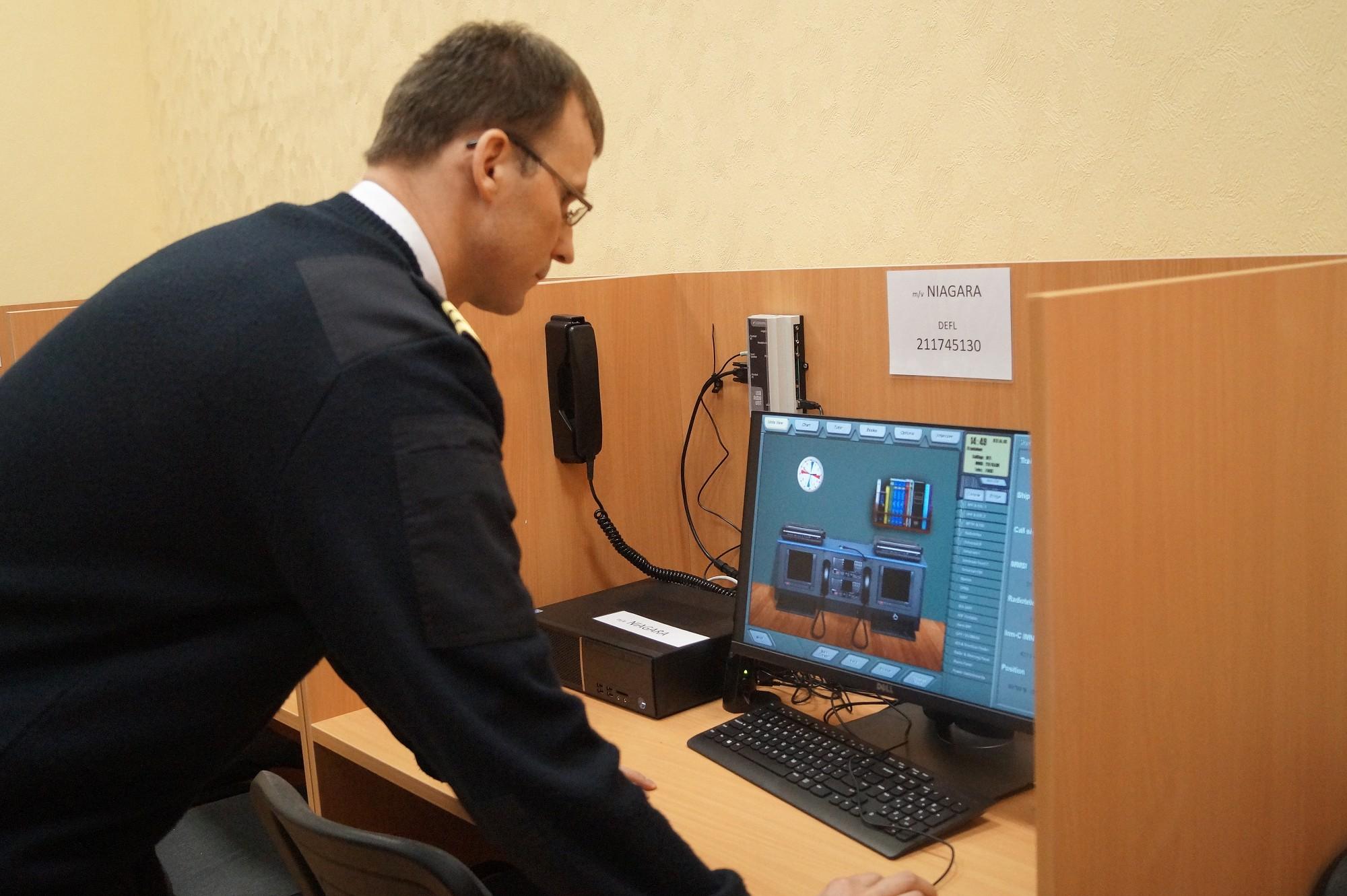 Koledžā uzstādītas jaunas radio sakaru simulācijas iekārtas