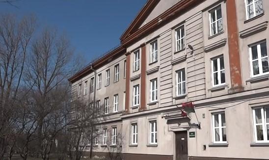 Pašvaldībai nevajadzīgās ēkas mēģina pārdot izsolē