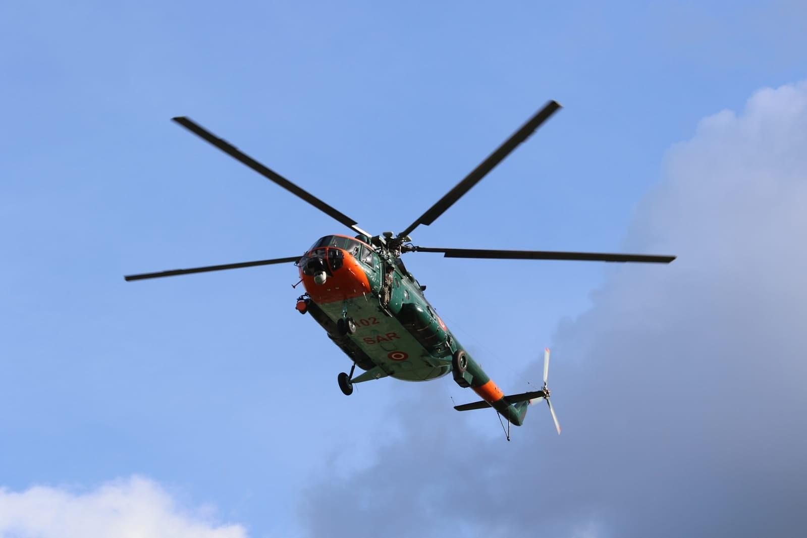 Armijas helikopters palīdz slimnieku nogādāt uz Rīgu