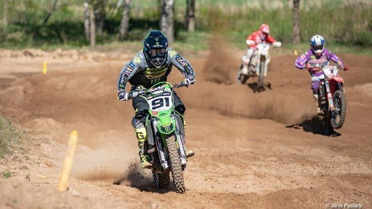 Latvijas motokrosa čempionāts startēs Aizputē