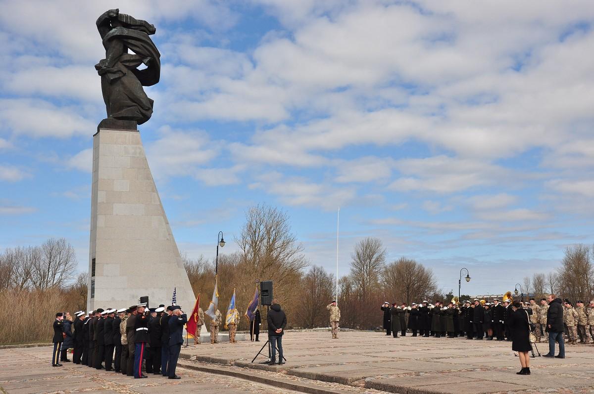 Parlamentārais sekretārs piedalīsies kritušo ASV karavīru piemiņas pasākumā