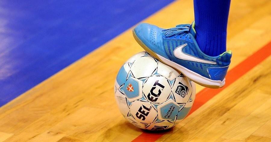 Telpu futbola izlase spēlēs Liepājā un Nīcā