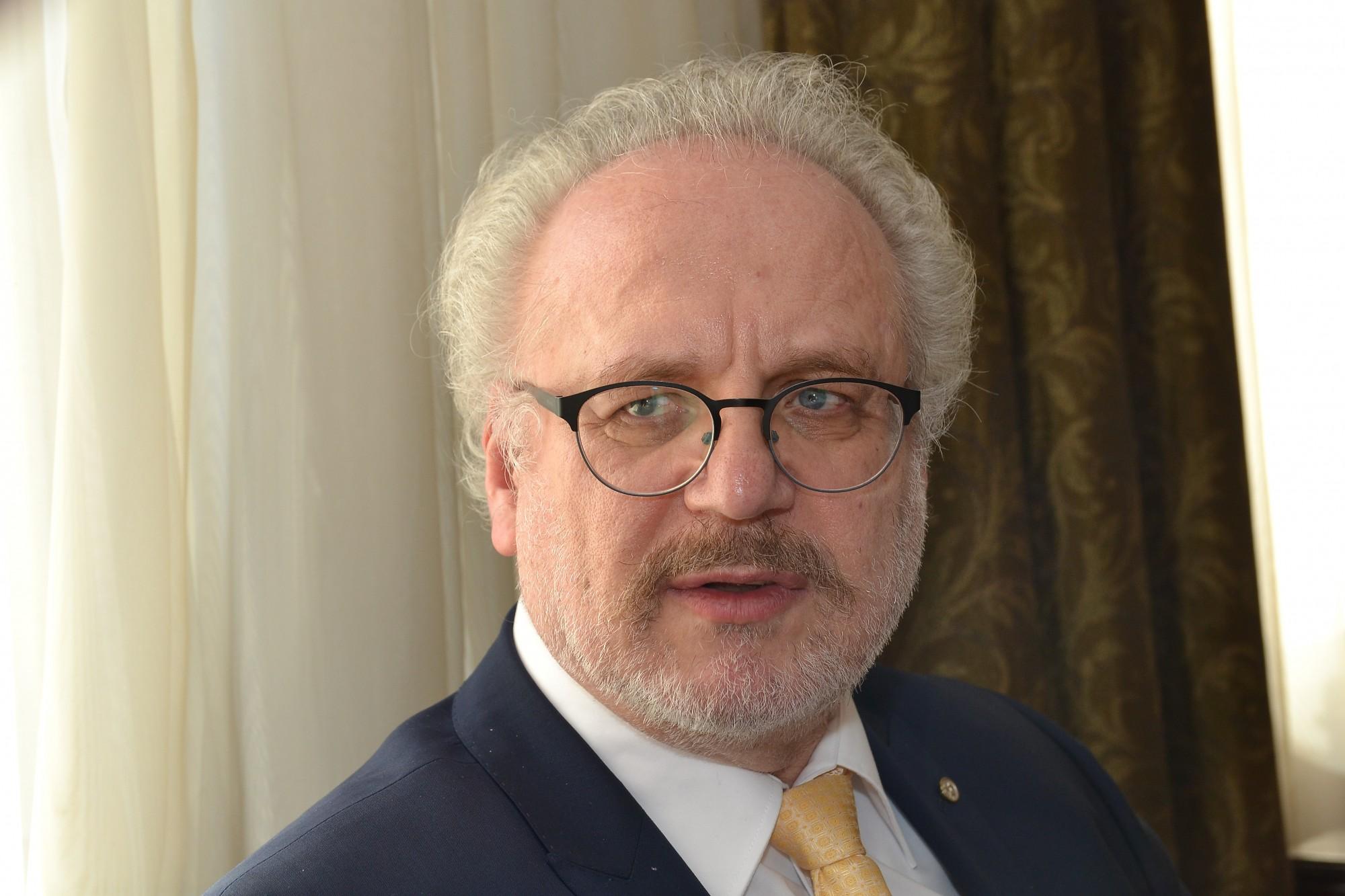 Egils Levits prezidenta amatā saņem 61 deputātu balsi