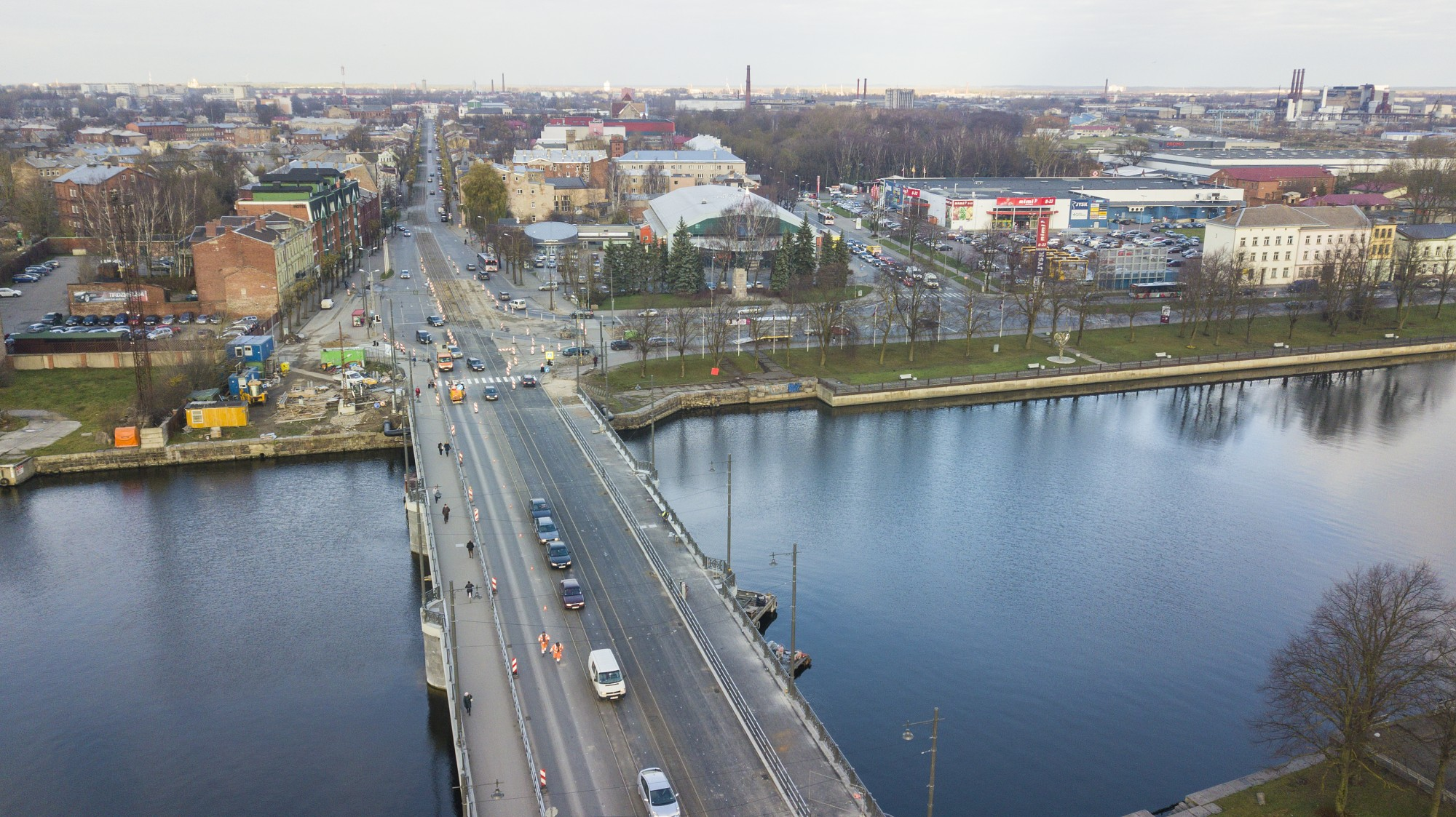 Pieņem ekspluatācijā Tramvaja tilta un Lielās ielas rekonstrukciju