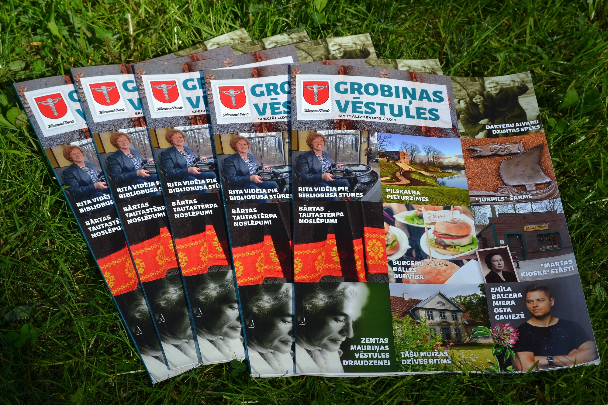 Grobiņnieki pilsētas svētkos dāvanā saņem žurnālu par savu novadu