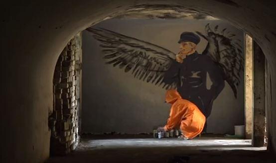 Gatavojoties Karostas festivālam, Redāna mūros top māksla