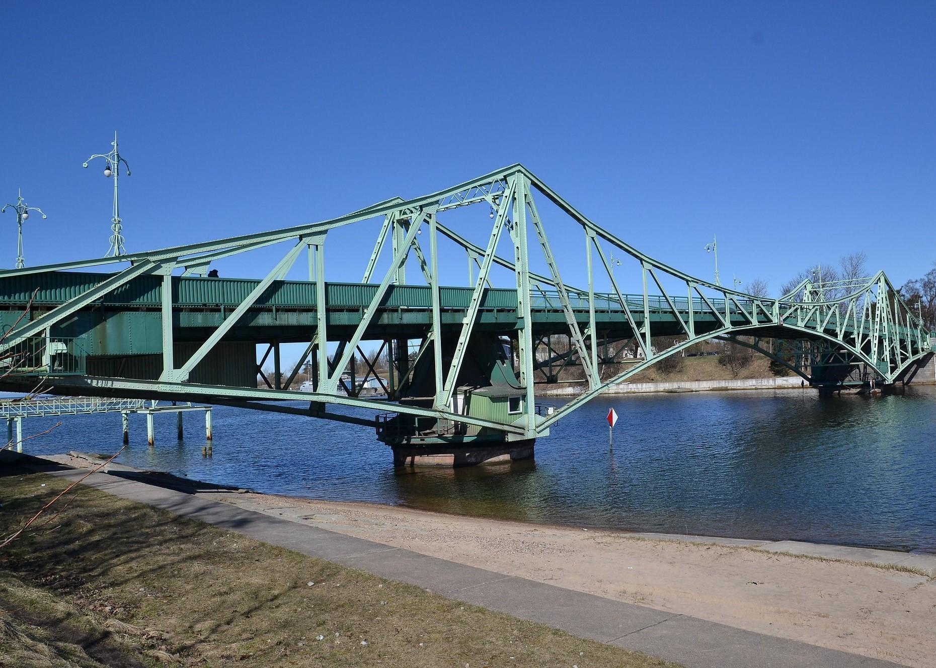 No 1.jūlija satiksmei slēgs Oskara Kalpaka tiltu