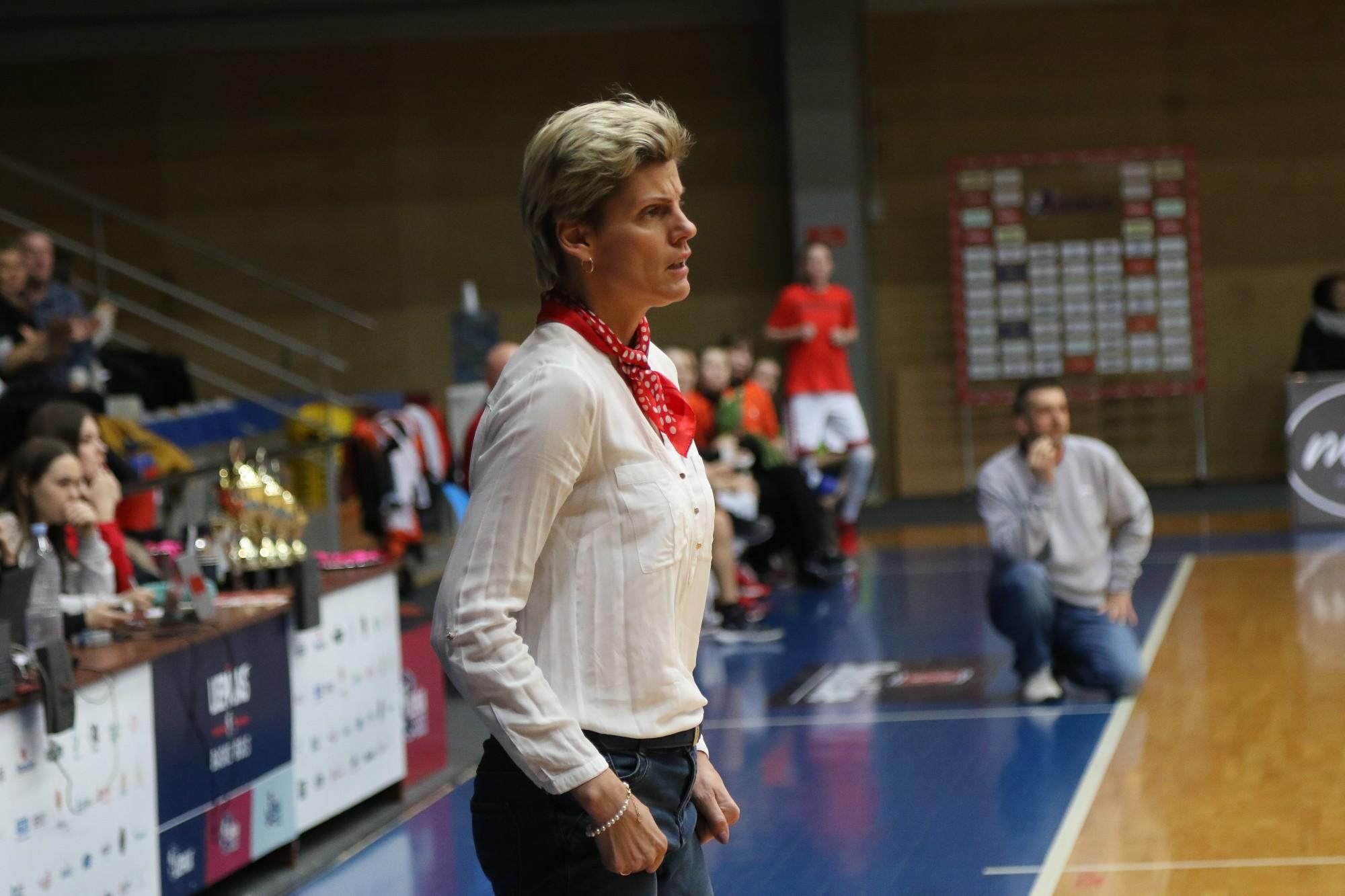 """Egita Lāce: """"Basketbols ir gudru cilvēku spēle"""""""