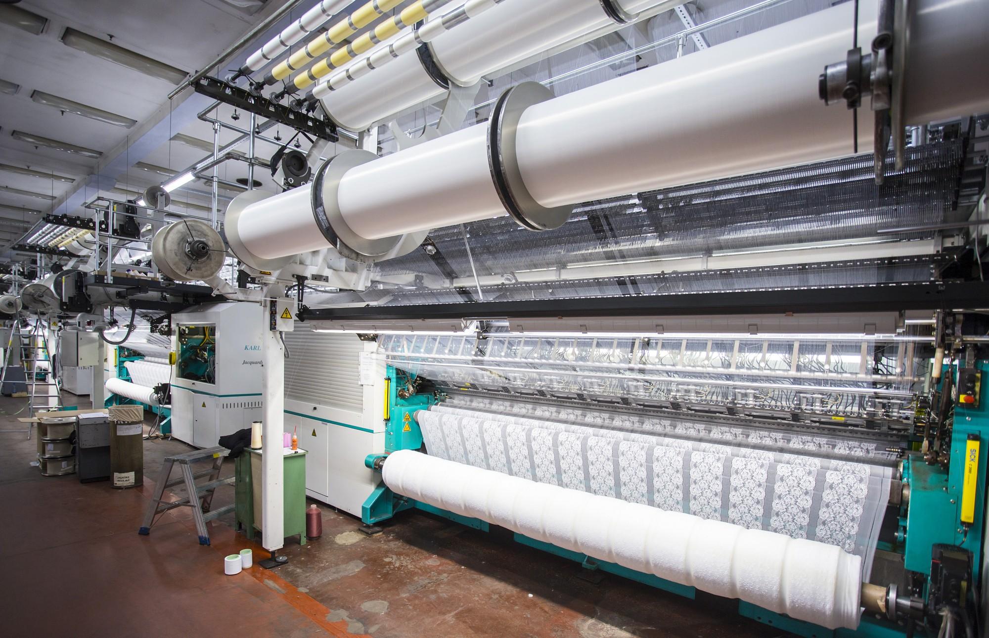 """Uzņēmumam """"Lauma Fabrics"""" jauna auduma žāvēšanas līnija"""
