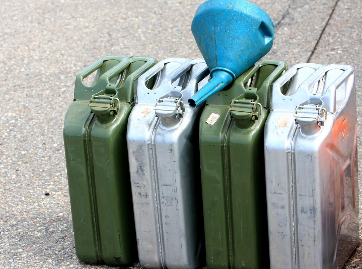 Iztukšo degvielas tvertnes