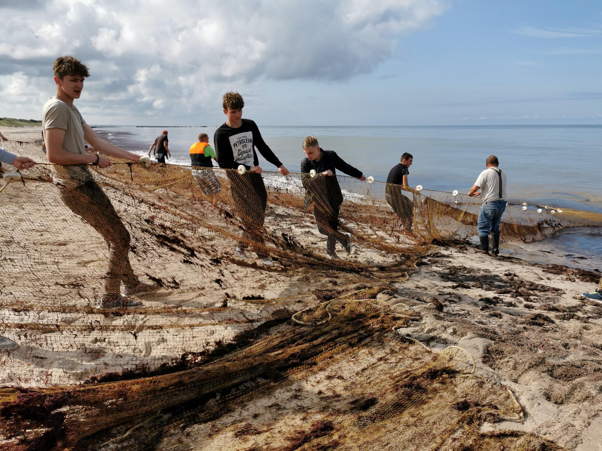 Starptautiskā nometnē jaunieši izzina Baltijas jūras aktuālo situāciju