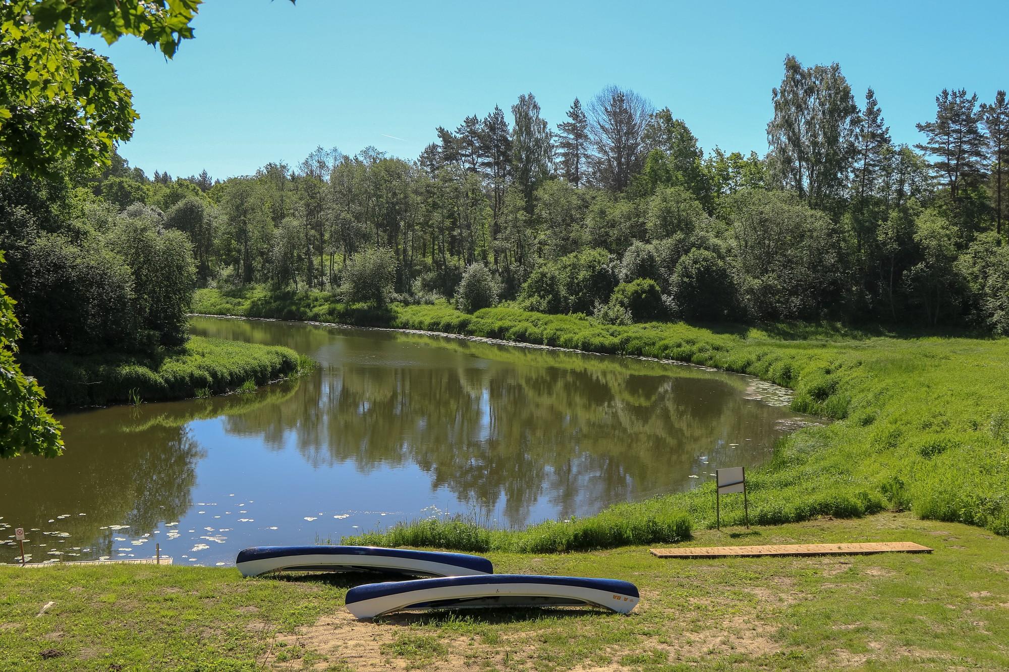 Upēs ūdens līmenis vietām kāpis par nepilniem diviem metriem