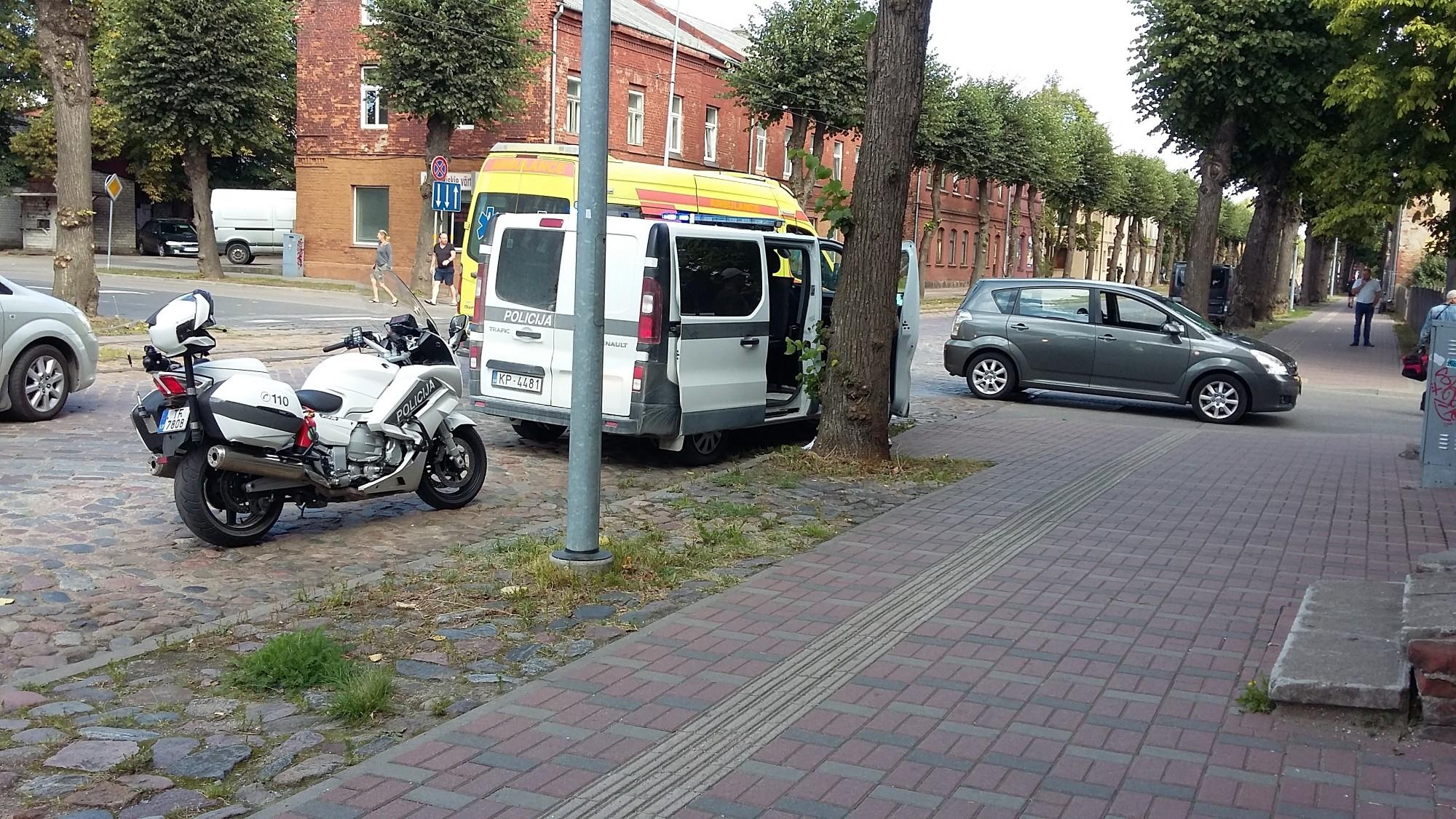Liepājā satiksmes negadījumā cietusi gājēja