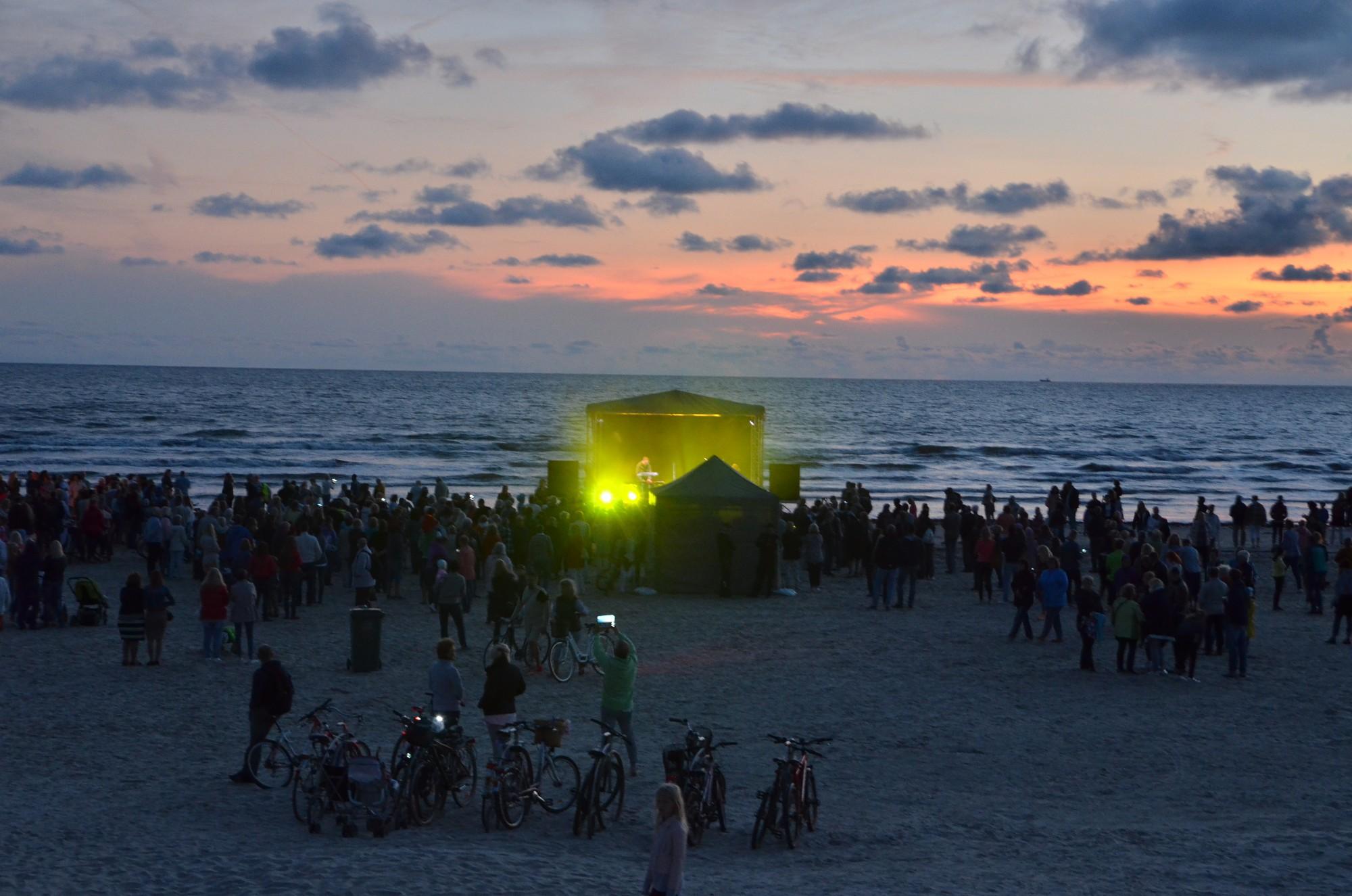Kur aiziet: Uguns un mūzikas nakts jūras krastā