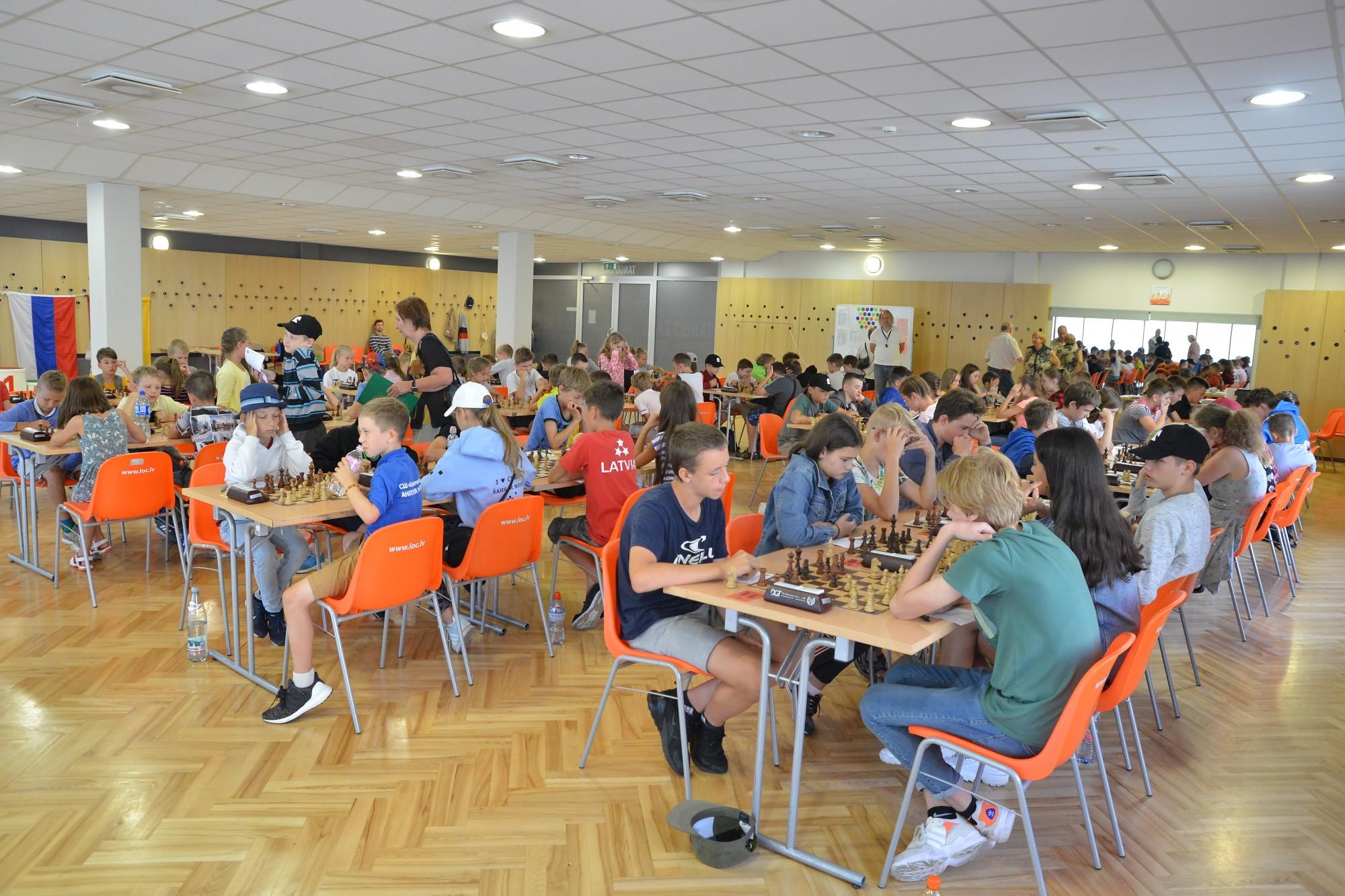 Bērnu un jauniešu šaha festivālā Emīlija Imanova ierindojas  3.vietā