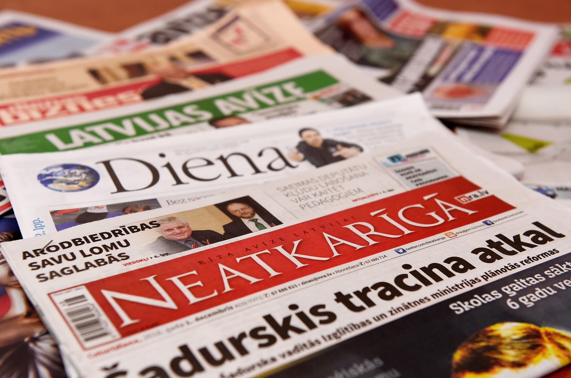 Laikrakstu redaktori pauž bažas par avīžu nākotni