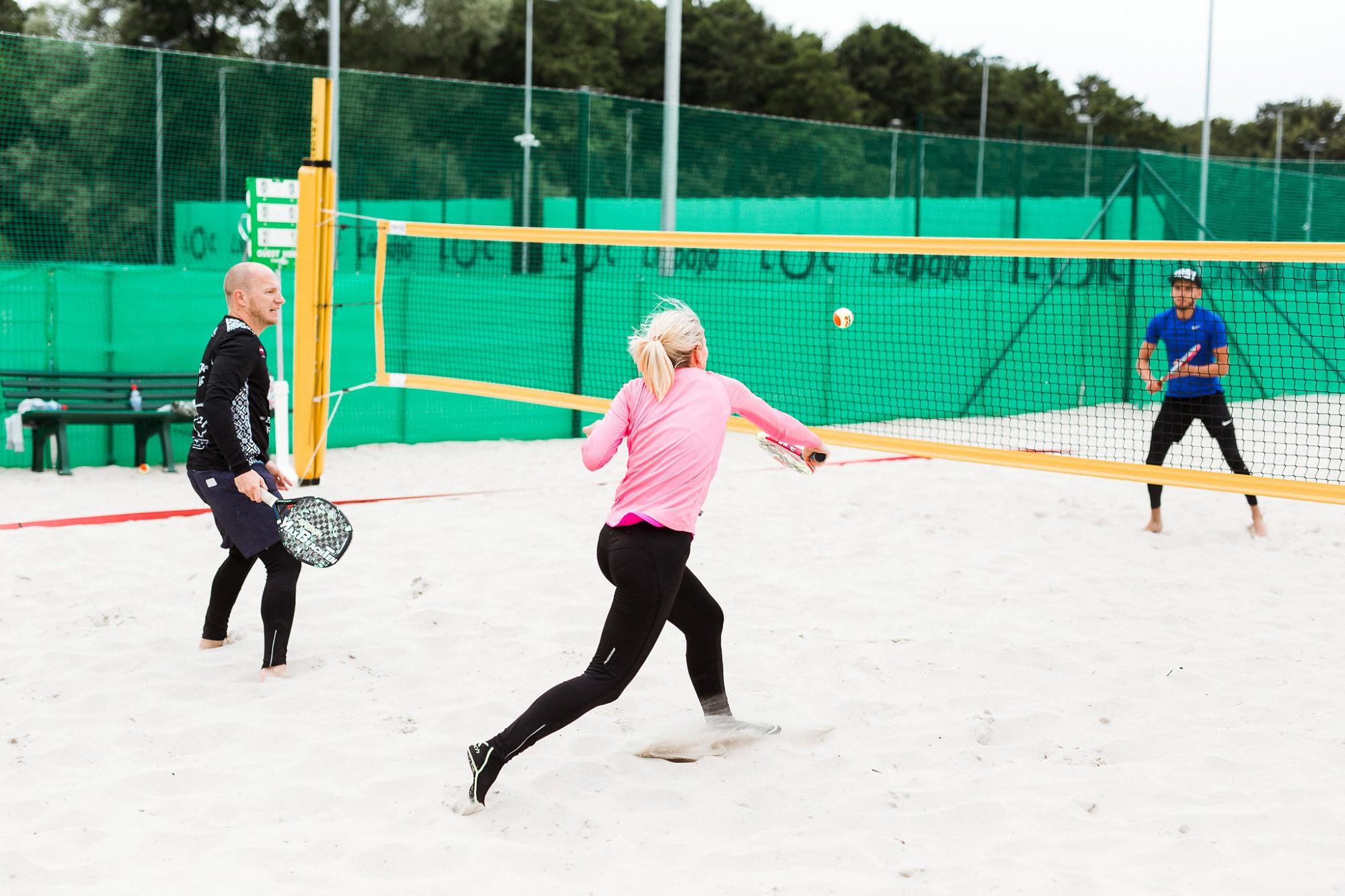 Aizvadīts pludmales tenisa turnīra ceturtais posms