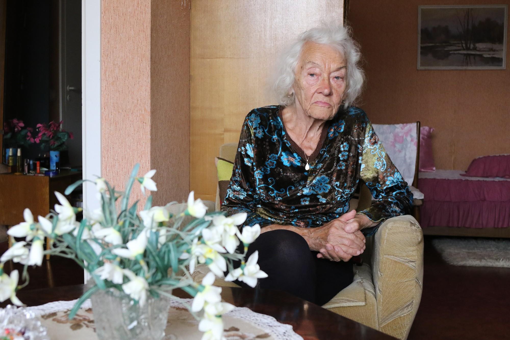 Ko pensionāriem nozīmē pensijas piegādes maksas paaugstināšana