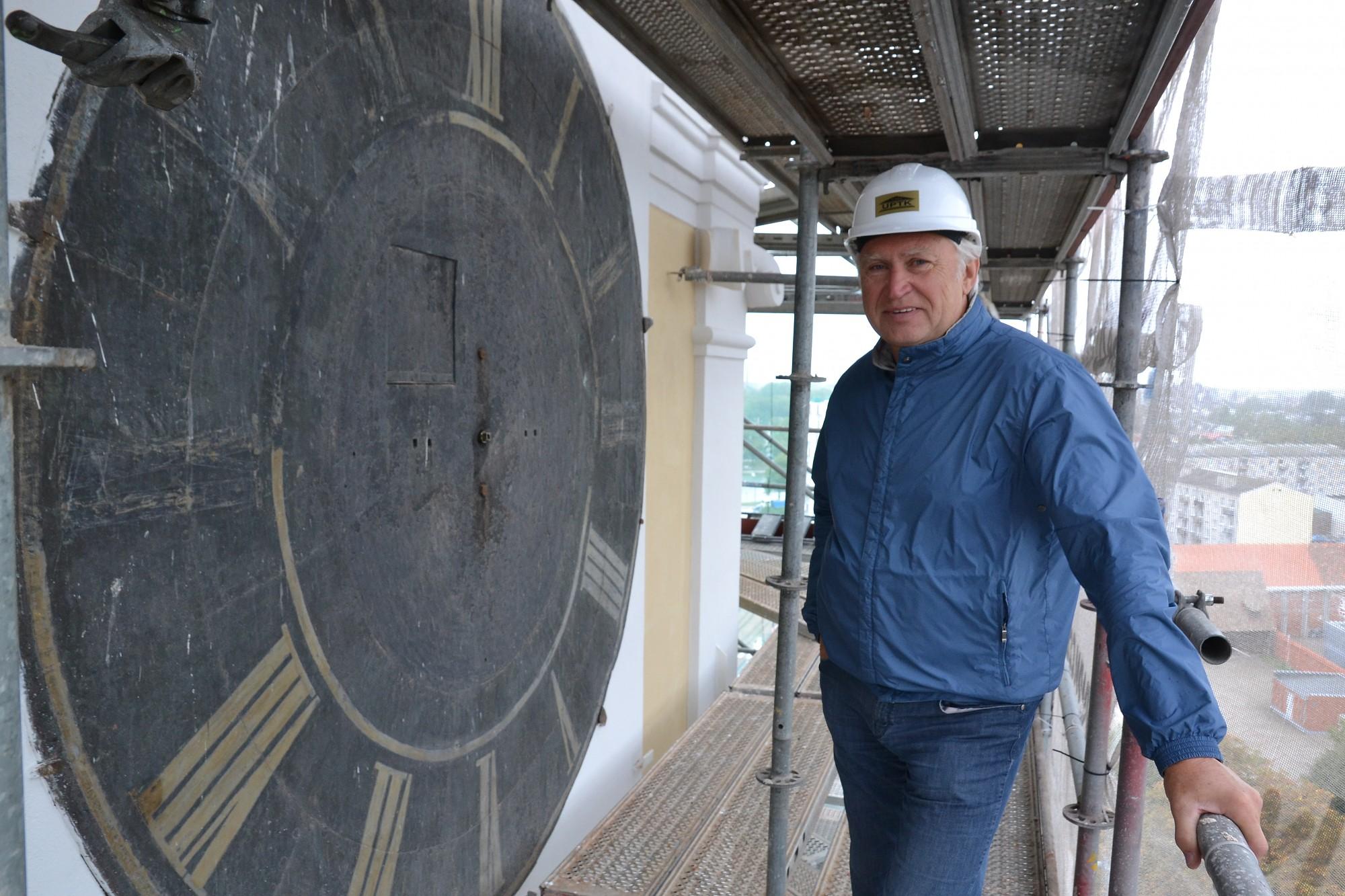 Svētās Trīsvienības katedrāles pulksteņa restaurācija ir ieilgusi