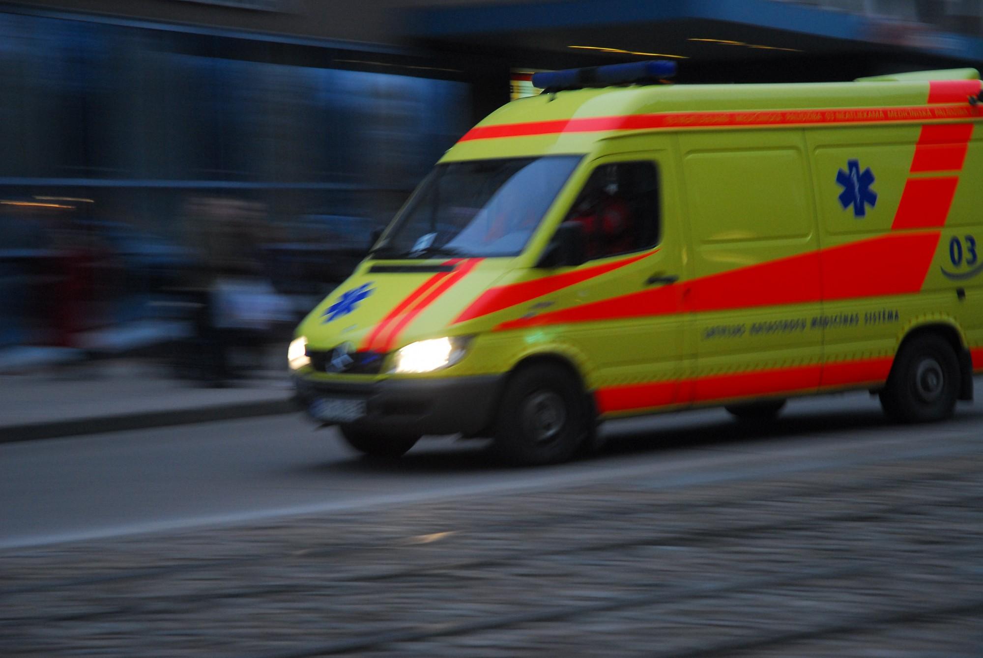 Pēc avārijas Cīravas pagastā, jaunietis nonāk slimnīcā