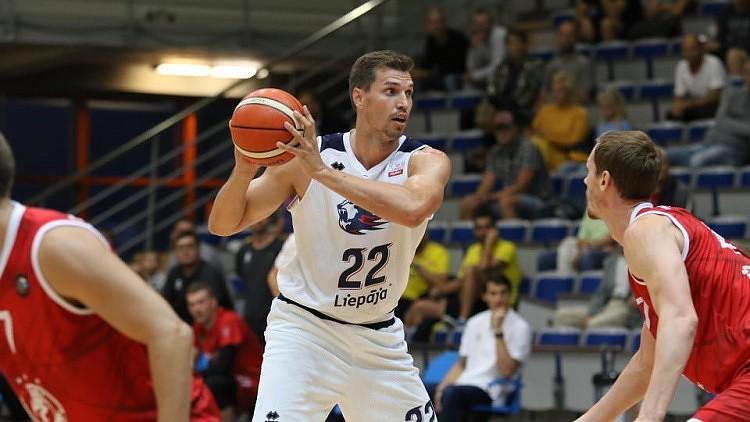 """Basketbolists Šeļakovs labākais Liepājas zaudējumā pret """"spartakiešiem"""""""