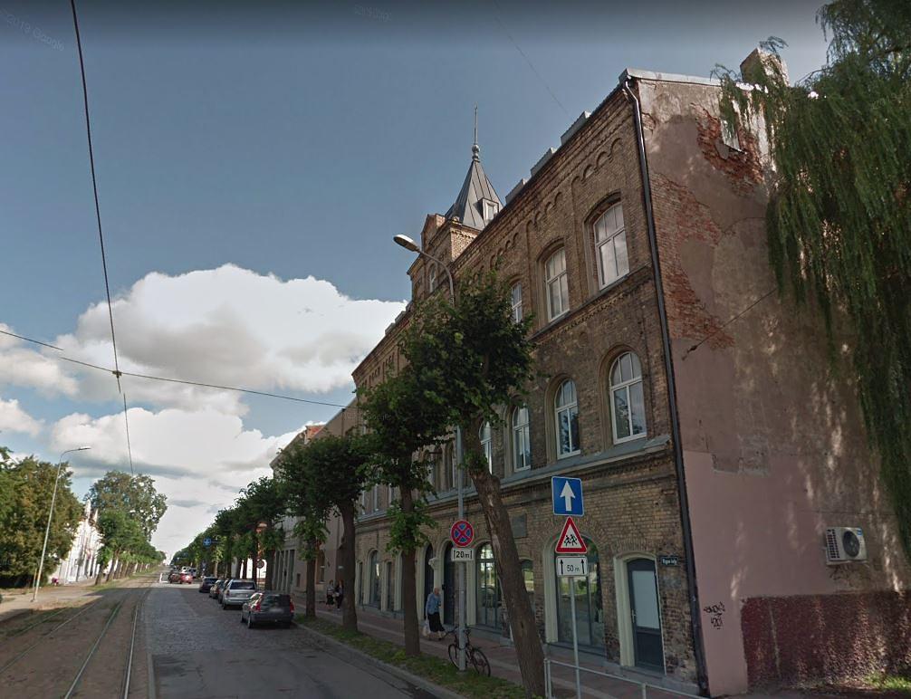 Iedzīvotāji aicināti piedalīties apspriešanā par koka nociršanu Rīgas ielā