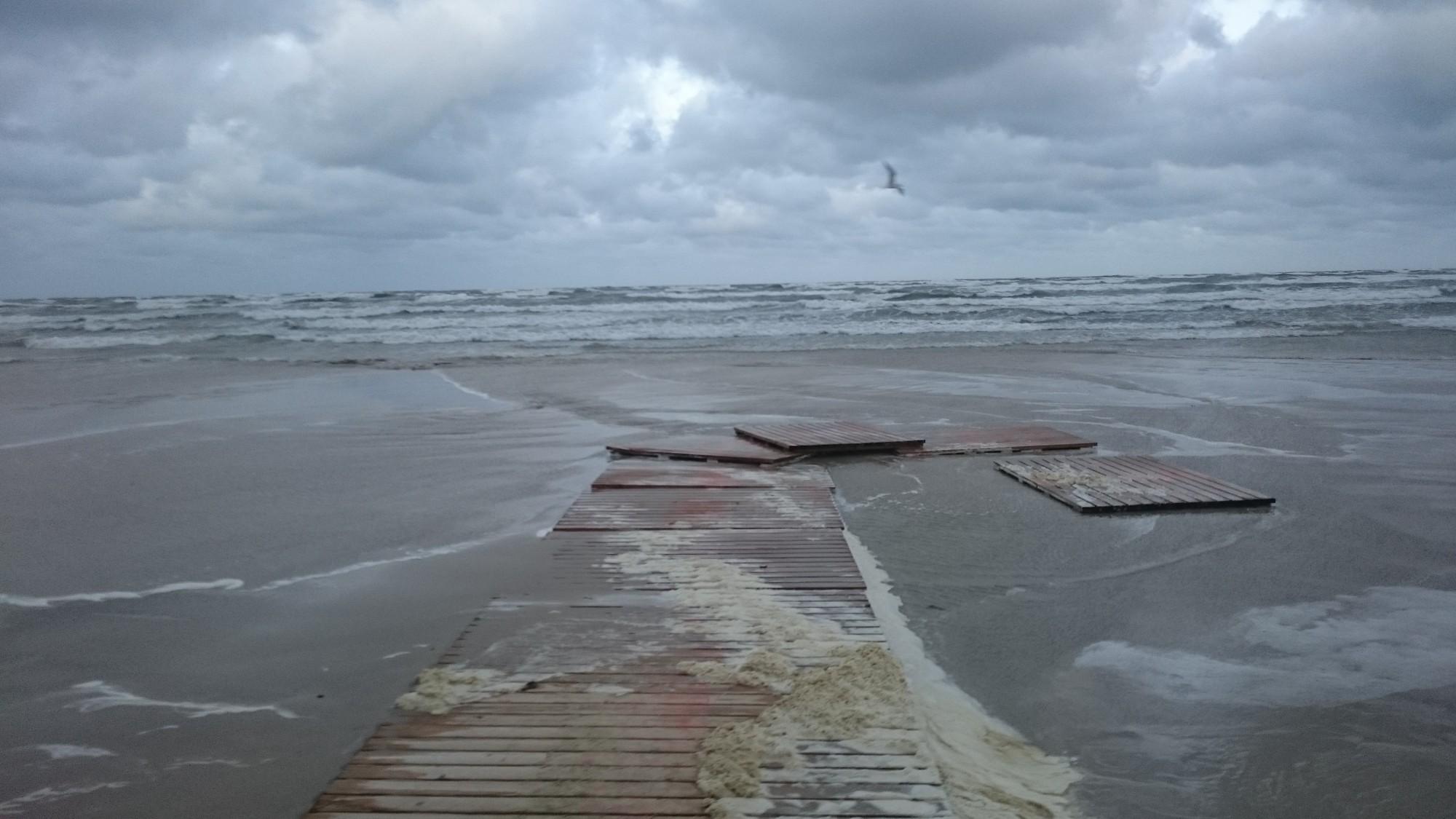 Svētdien Liepājā vēja brāzmas sasniedza 26 metrus sekundē