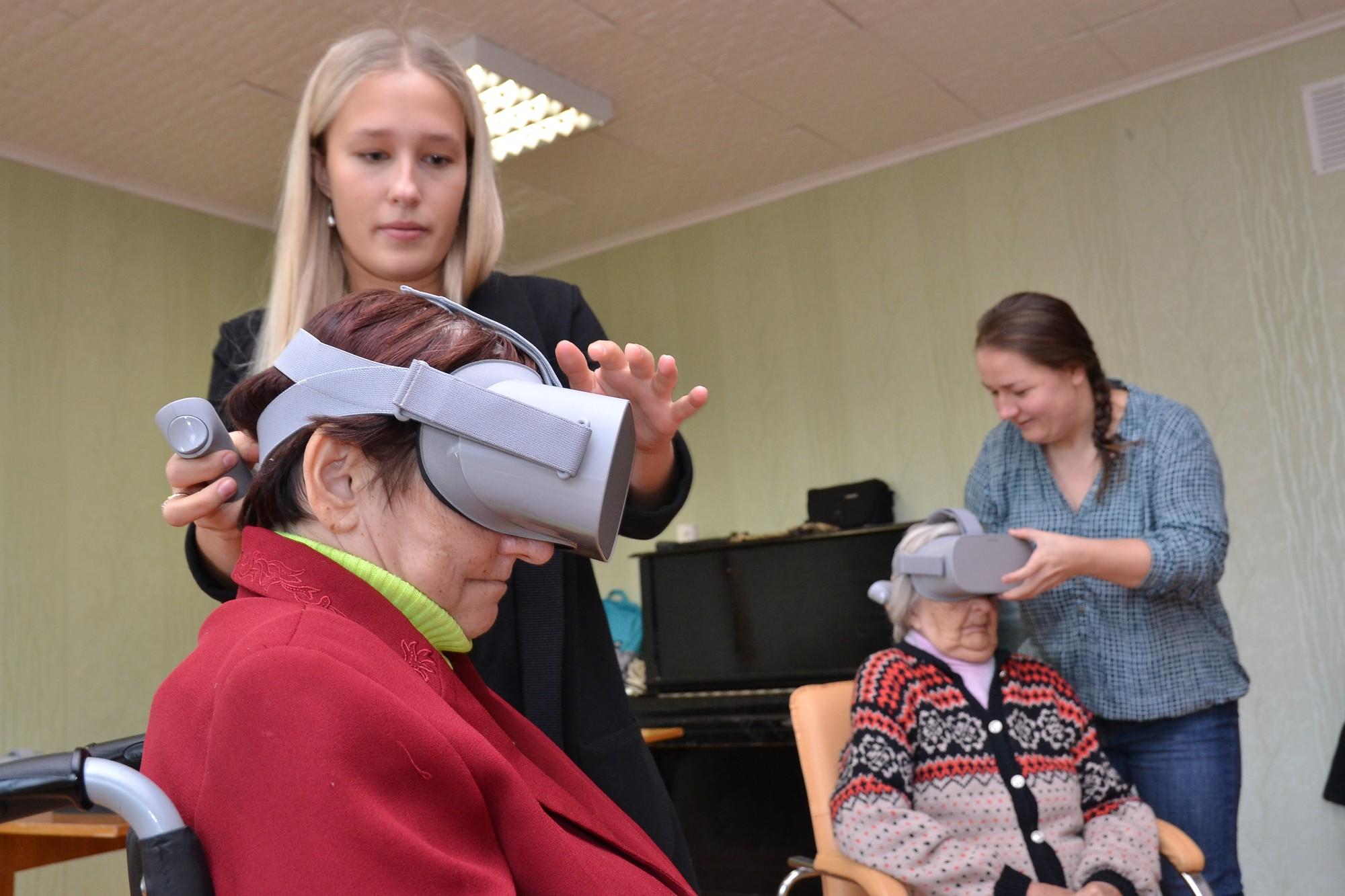 Liepājas Veco ļaužu dzīvojamā mājā ienāk virtuālā realitāte
