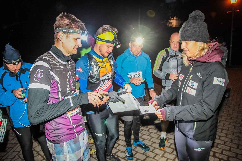 Latvijas orientēšanās naktī komandas demonstrēs spēju orientēties pilsētvidē tumsā