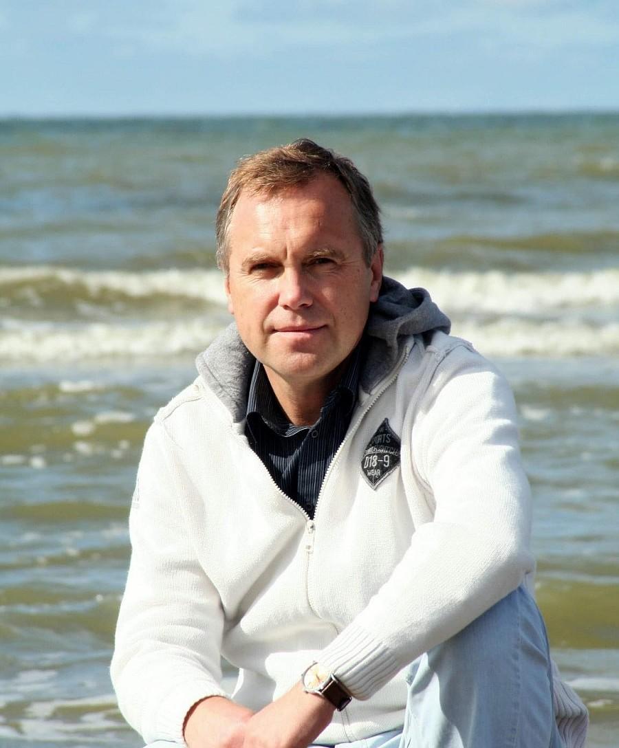 Liepājā atvērs astrologa Andra Rača jauno grāmatu