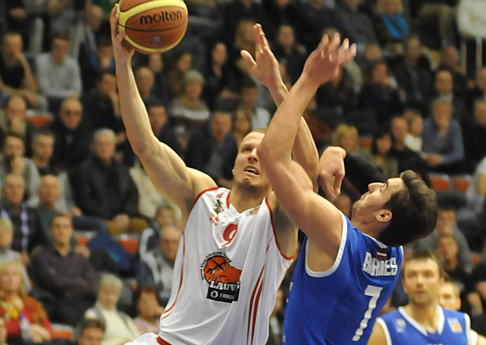 """Basketbola klubs """"Liepāja"""" pastiprina sastāvu ar Troju Bārnīsu"""