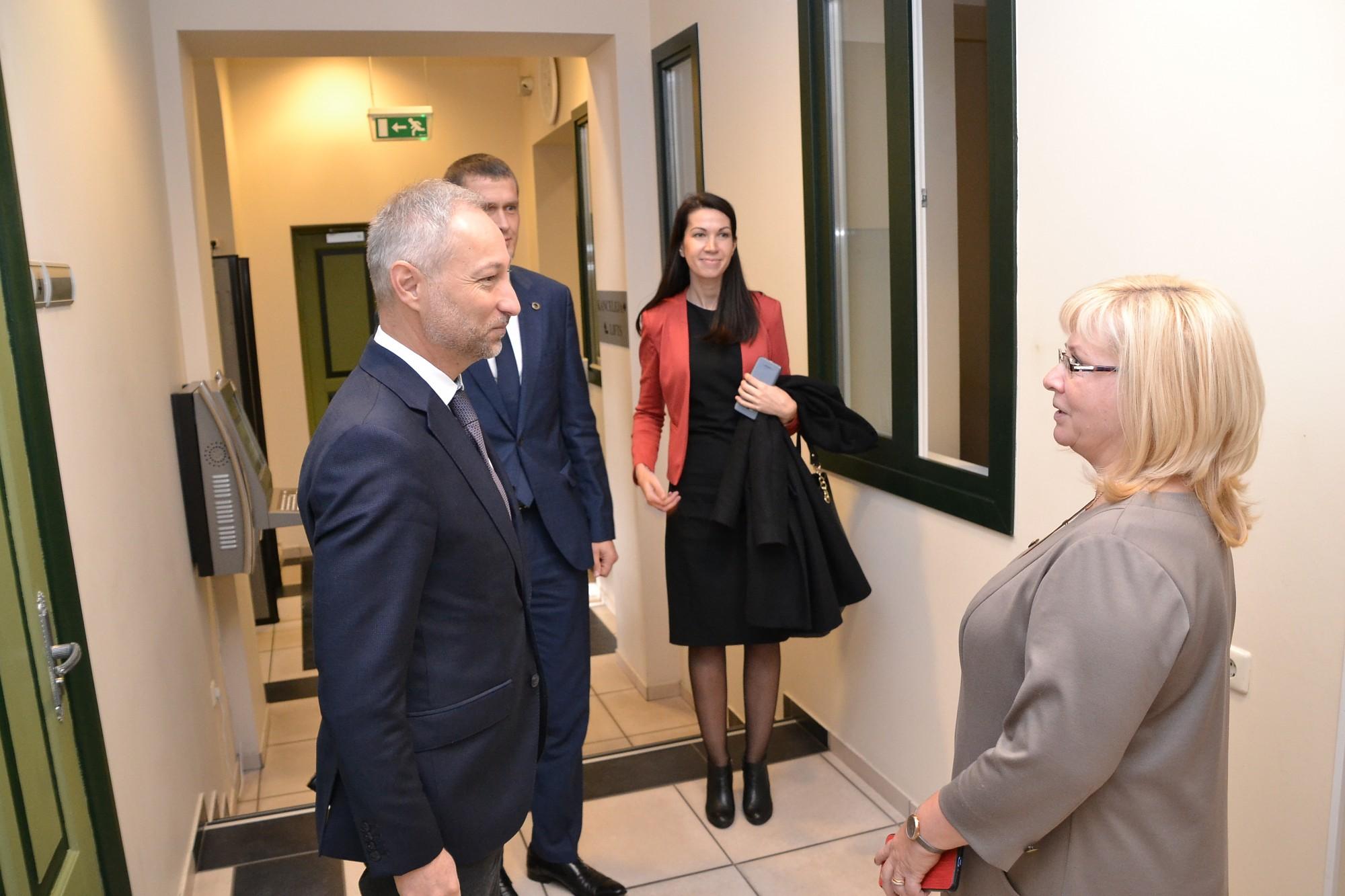 Vizītē ierodas tieslietu ministrs Jānis Bordāns; ar pilsētas vadību pārspriež arī cietuma būvniecības jautājumu