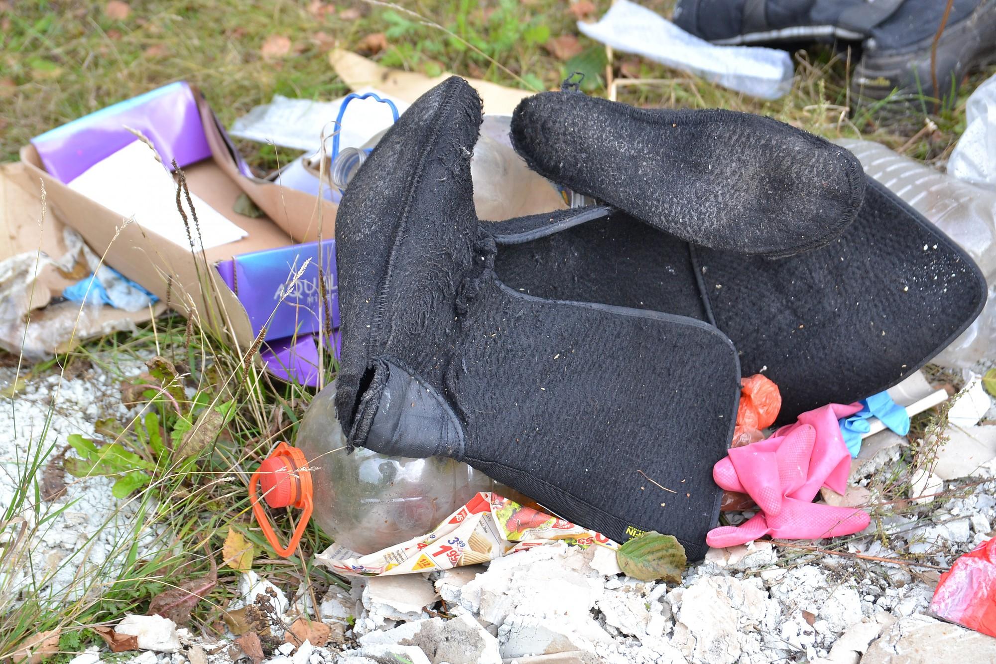 Deguši atkritumi