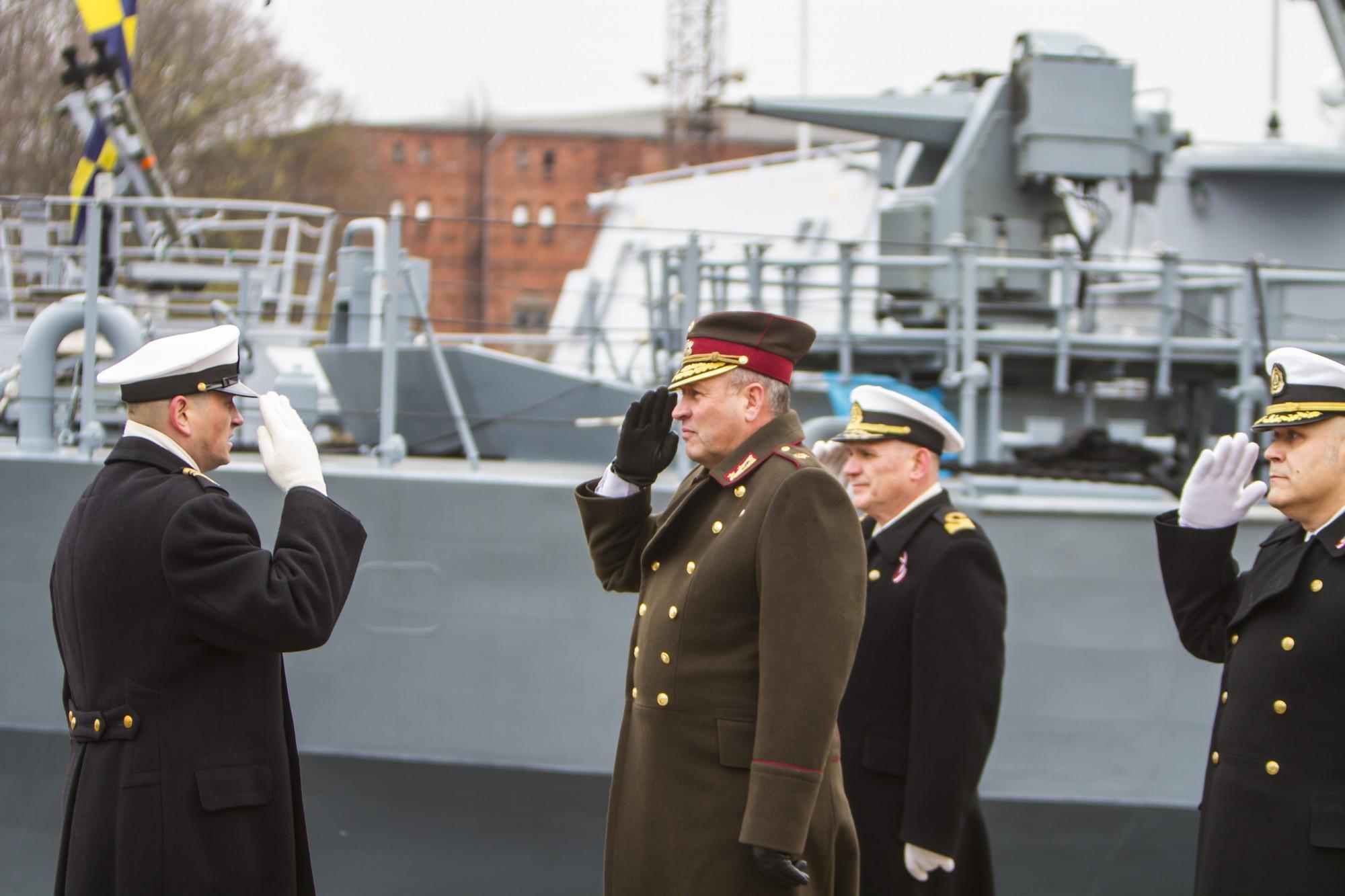 Liepājā svinīgā ceremonijā Jūras spēku komandiera amatā stājas Kaspars Zelčs