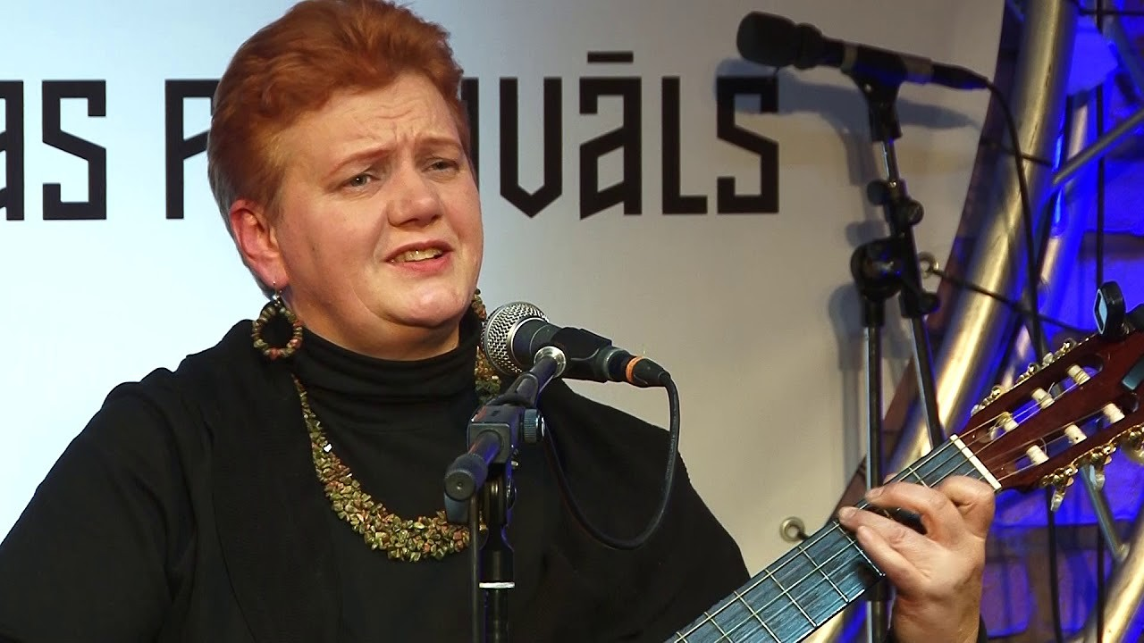 """""""Austras istabā"""" notiks Intas Pauļukas koncerts un ukuleles meistarklase"""