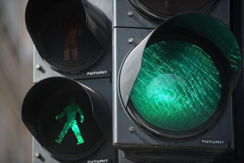 Mācību laikā Uliha un Jūrmalas ielas krustojumā iestūrē luksoforā