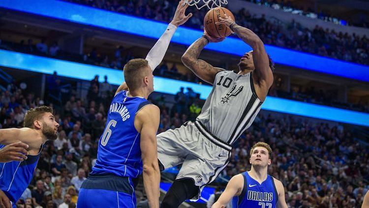 """Porziņģis savāc 18+10 un sarūpe Dalasai uzvaru pār """"Spurs"""""""