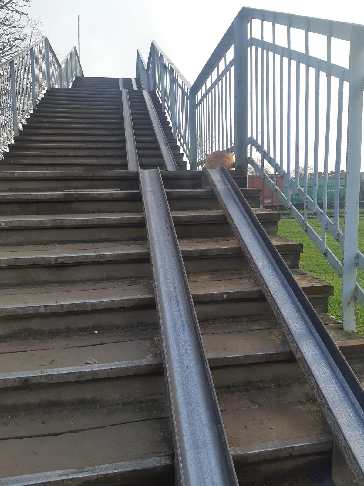 Gājēju tiltu sola uzlabot, bet efektīvs risinājums esot par dārgu
