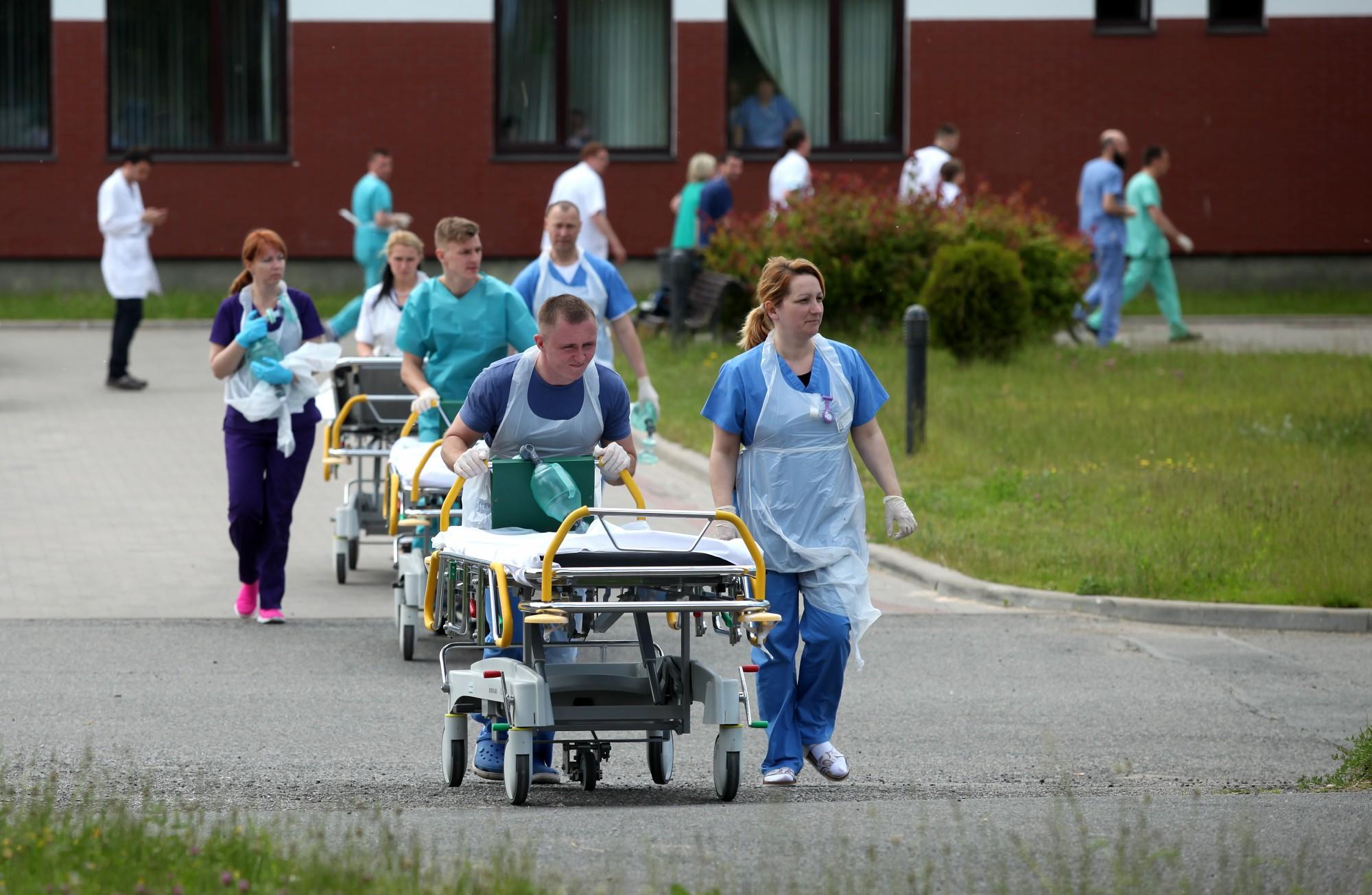 Algām sola vēl 18 miljonus eiro, taču mediķi protestu neatcels