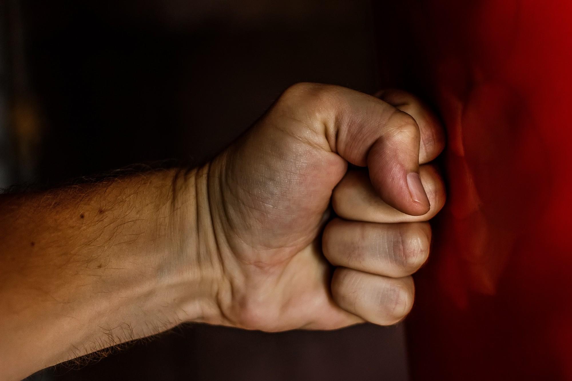 Ģimenes strīdā Grobiņā policija nošķir varmāku