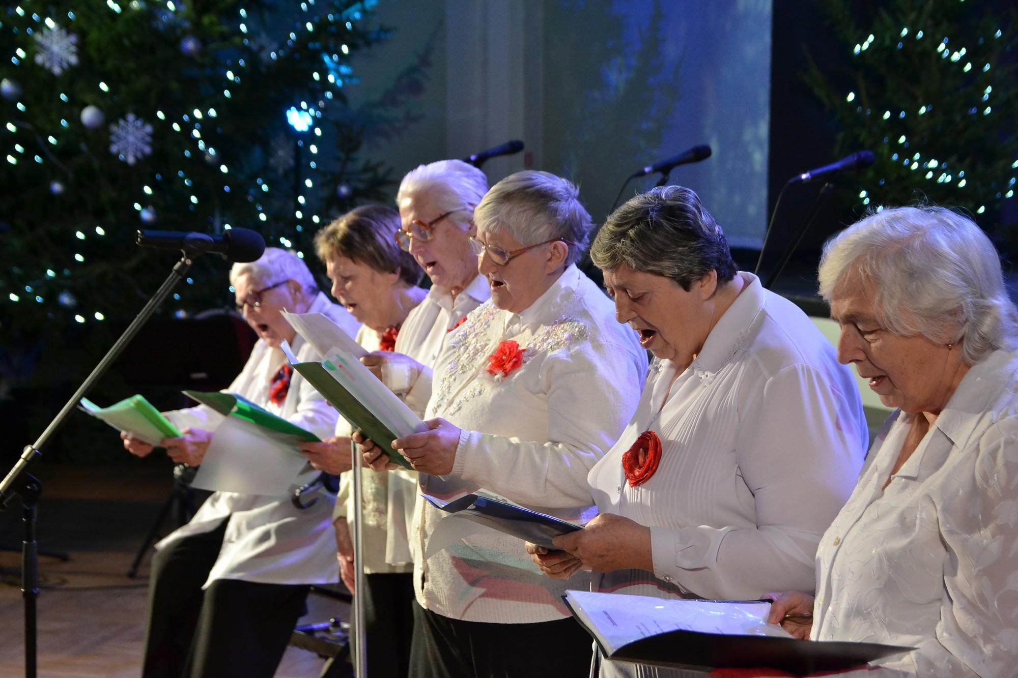 Gaišu domu un prieka laiks. Koncertā uzbur Ziemassvētku brīnumu